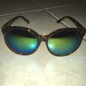 Accessories - Mirror lens sunglasses